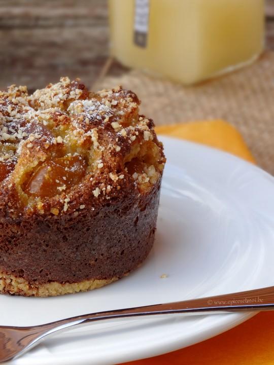 gâteau de polenta aux mirabelles et miel de fleurs de citronnier