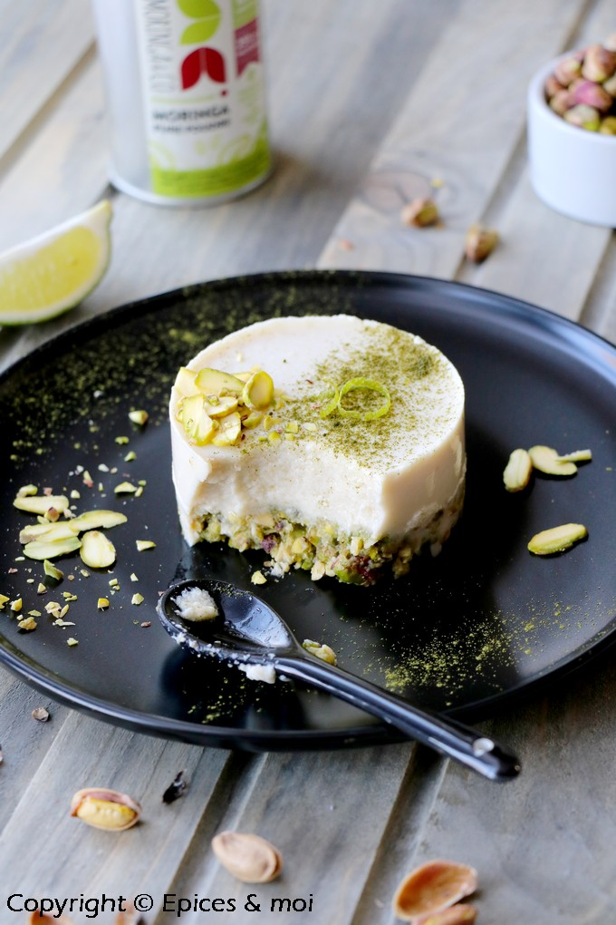Cheesecake cru pistache cajou, citron vert et Moringa