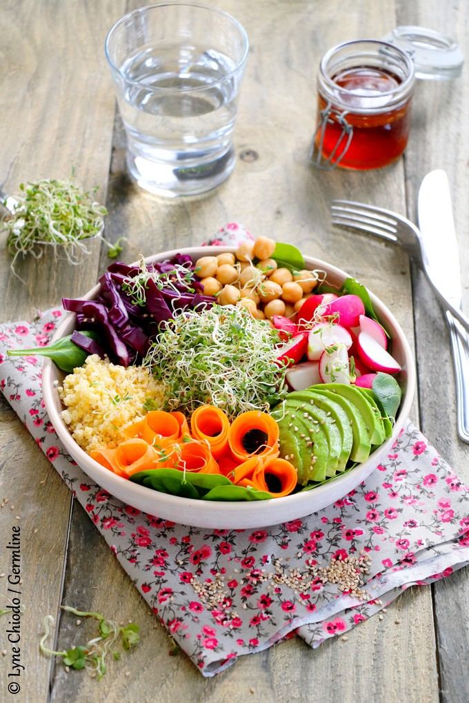 Epices & moi - Buddha bowl aux graines germées d'alfalfa, radis et fenouil