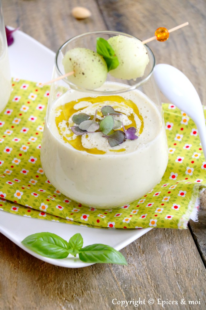 Epices & moi - Soupe froide de melon et amandes au basilic