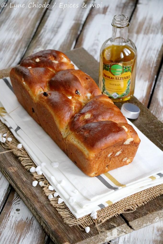 Epices & moi - Brioche à l'huile d'olive au safran et raisins secs