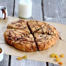 Epices & moi ) Scones de châtaigne au chocolat et raisins secs
