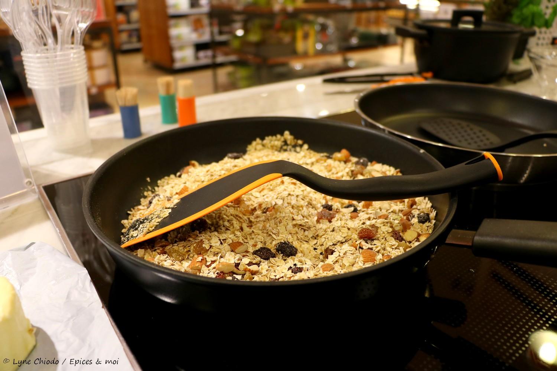 Cuisson du granola à la poêle