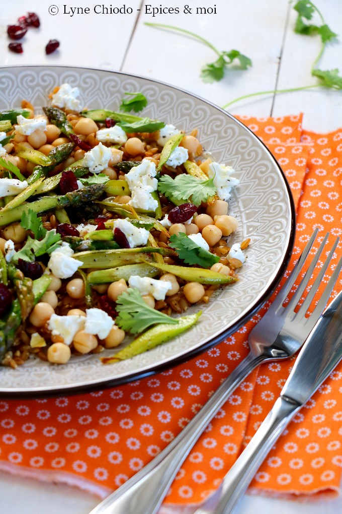 Epices & moi - Salade de petit épeautre aux asperges poêlées et pois chiches